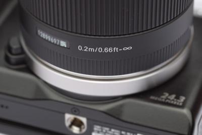 シグマ 19mm の最短撮影距離 表示
